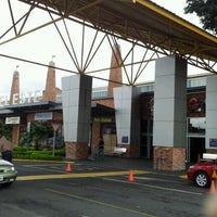Photo taken at Multiplaza Curridabat by Kenneth G. on 11/22/2012