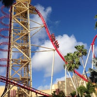 Photo taken at Hollywood Rip Ride Rockit by Haken on 6/1/2013