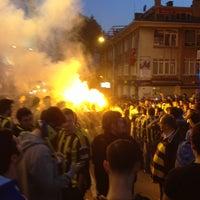 Photo taken at Radyo Fenerbahçe 97.0 by Emir 🐰 on 4/25/2013