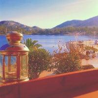 12/20/2014 tarihinde Gamze Ç.ziyaretçi tarafından Roll Coffee House'de çekilen fotoğraf