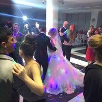 Photo taken at genc acarlar düğün salonu by Aşkın 🇹🇷🇦🇿 𐱁𐰴𐰣:𐰇𐰔𐱅𐰇𐰼𐰜 K. on 4/12/2015