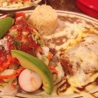 Foto tirada no(a) Tommy's Mexican Restaurant por Ricky R. em 10/14/2012