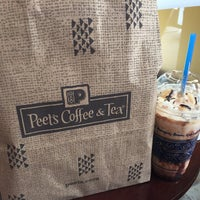 Foto scattata a Peets Coffee & Tea da Brambleton B. il 4/22/2015