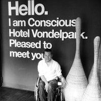 Foto diambil di Conscious Hotel oleh Ellis P. pada 7/26/2013