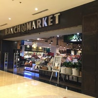 Foto tirada no(a) 99 Ranch Market por ichie w. em 1/1/2018