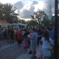 Photo taken at Food Truck Invasion - Abacoa Town Center by Che Grill on 5/10/2013