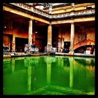 Foto tomada en The Roman Baths por John K. el 5/18/2013