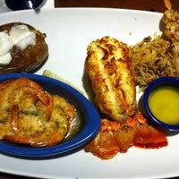 Photo taken at Red Lobster by Zahara M. on 5/26/2013