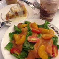 Photo taken at The Coffee Bean & Tea Leaf by !!!💃Aı̊bjuNg💫 L. on 8/2/2015