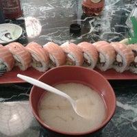 Photo taken at California Bowl Sushi & Teriyaki by Jose Antonio H. on 2/20/2013