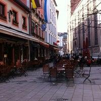 12/25/2012 tarihinde Dimi P.ziyaretçi tarafından Augustiner am Dom'de çekilen fotoğraf