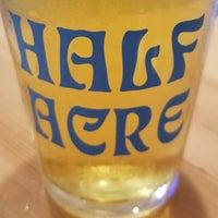 7/21/2018 tarihinde Steve H.ziyaretçi tarafından Half Acre Beer Company Balmoral Tap Room & Barden'de çekilen fotoğraf