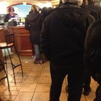 Foto scattata a Pizzeria Tony da Laura T. il 1/18/2013