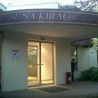 Photo taken at GSÜ Suna Kıraç Kütüphanesi by Ruya P. on 11/26/2012