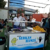 Снимок сделан в Serkan Hamza Midye ve Balık пользователем Ilke P. 10/14/2013