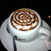Снимок сделан в Даниэл итальянская кухня пользователем Oksana 12/31/2012