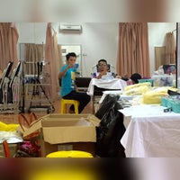 Photo taken at Pusat Rehabilitasi 1Malaysia DUN Seberang Takir by Azizul H. on 12/19/2015