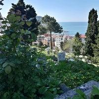 Photo taken at Yeni Mezarlık by İrem B. on 4/26/2017
