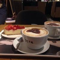 Снимок сделан в Costa Coffee пользователем Natallia Selenya c. 11/9/2014