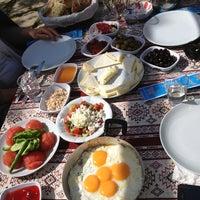 4/14/2013 tarihinde sezussziyaretçi tarafından Andız Köy Sofrası'de çekilen fotoğraf