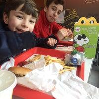 Das Foto wurde bei McDonald's von Orhan K. am 2/8/2018 aufgenommen