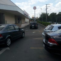 Foto tirada no(a) Extra Shopping Catanduva por Rodolfo G. em 11/16/2012