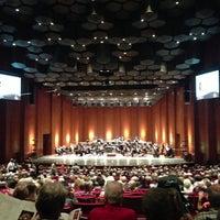 Foto scattata a Jones Hall da Dayna S. il 8/31/2013