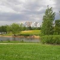 Foto tirada no(a) Ландшафтный парк «Митино» por Tatevi K. em 6/16/2013