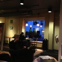 Das Foto wurde bei Starbucks von Aubrey am 3/1/2013 aufgenommen