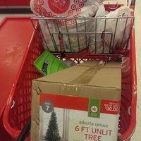 Das Foto wurde bei Target von Erwie D. am 11/28/2014 aufgenommen