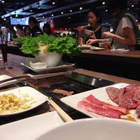 Photo taken at 俺の焼肉 銀座9丁目店 by satoko o. on 5/4/2014