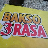 Photo taken at Bakso 3 Rasa by morikh on 3/27/2013