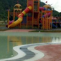 Photo taken at D'Cove Pasir Panjang Family Park by Cik S. on 5/25/2013