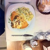 Photo taken at 2Z Kafe Restoran by Metin A. on 8/26/2013