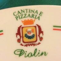 Foto tirada no(a) Piolin Cantina e Pizzaria por Mariana R. em 10/14/2012
