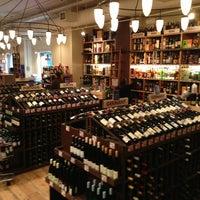 Foto tirada no(a) Union Square Wines & Spirits por Boon Y. em 2/3/2013