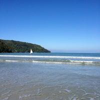 Foto tirada no(a) Praia da Lagoinha por Karina W. em 6/1/2013