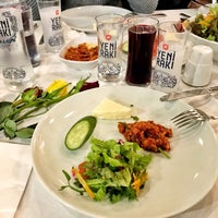 2/24/2018 tarihinde Aykaziyaretçi tarafından Reis Restaurant'de çekilen fotoğraf