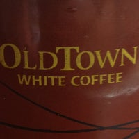 Photo taken at OldTown White Coffee by Steven W. on 1/15/2013