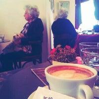 Das Foto wurde bei Divas von M M. am 11/4/2012 aufgenommen
