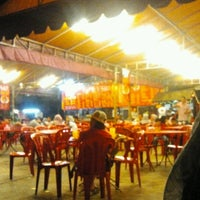 Photo taken at Sany Char Koay Teow by Fitri Epit B. on 12/31/2012