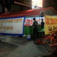 Photo taken at Nasi tempe penyet & ayam goreng cak sobleh by Dita C. on 6/2/2014