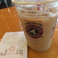 Photo taken at TOM N TOMS COFFEE by Chittima K. on 5/19/2014