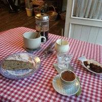 12/2/2012 tarihinde Eda K.ziyaretçi tarafından Luz Café'de çekilen fotoğraf