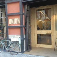 Снимок сделан в Onion Burger Studio пользователем Xavi C. 1/12/2013