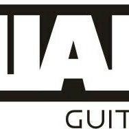 Foto tirada no(a) Chiara Guitar Shop por Paula T. em 6/9/2013
