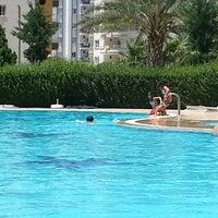 Photo taken at Beyzade Konutları yüzme havuzu by Yeşim★ on 7/3/2013