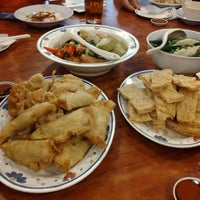 Photo taken at Restoran 3A Yong Tau Foo & Cheong Fun by Najib on 1/26/2017