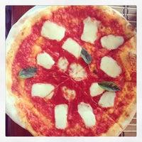 Photo taken at Kartolina Pizzeria by Jasper V. on 7/6/2013
