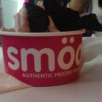 Photo taken at smöoy frozen yogurt by Salma T. on 7/30/2014